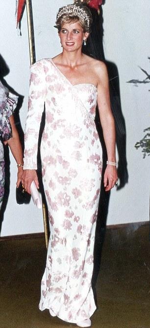 st john evening dresses photo - 1