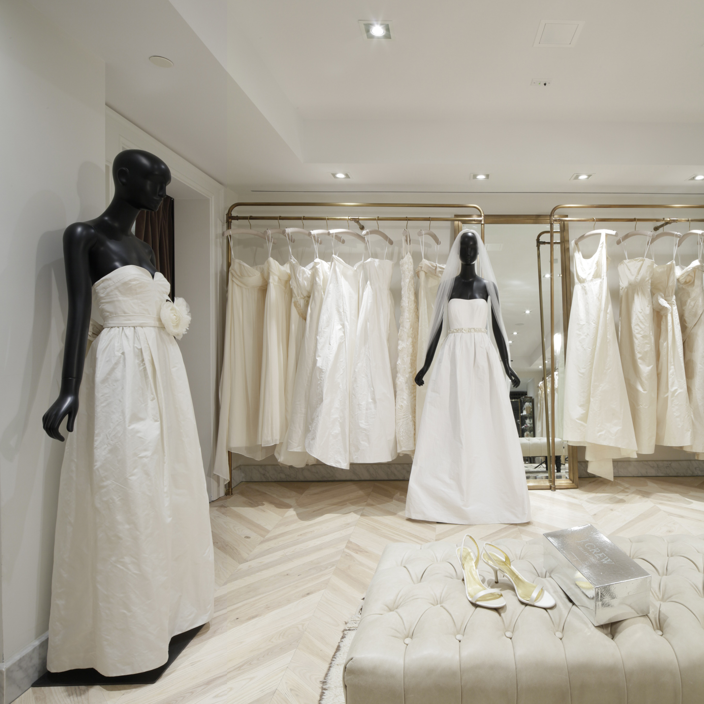 store for wedding dresses photo - 1
