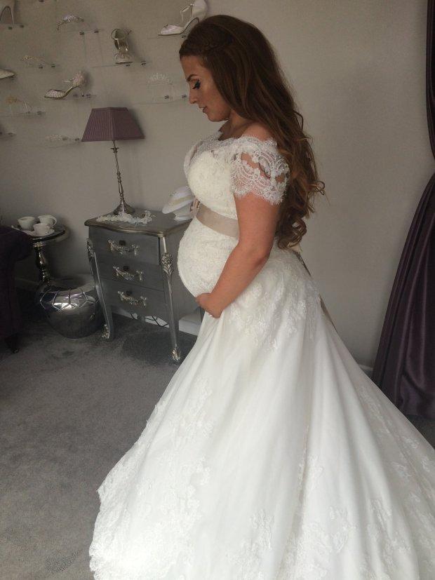 tackiest wedding dresses photo - 1