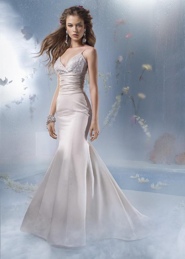 tara kelly wedding dresses photo - 1