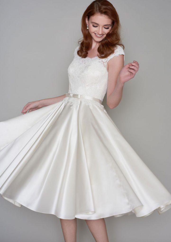 tea length wedding dresses lace photo - 1