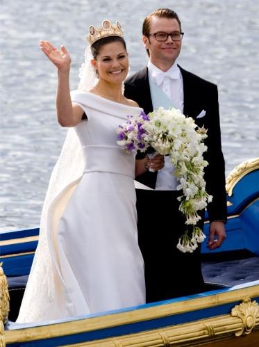 timeless wedding dresses photo - 1