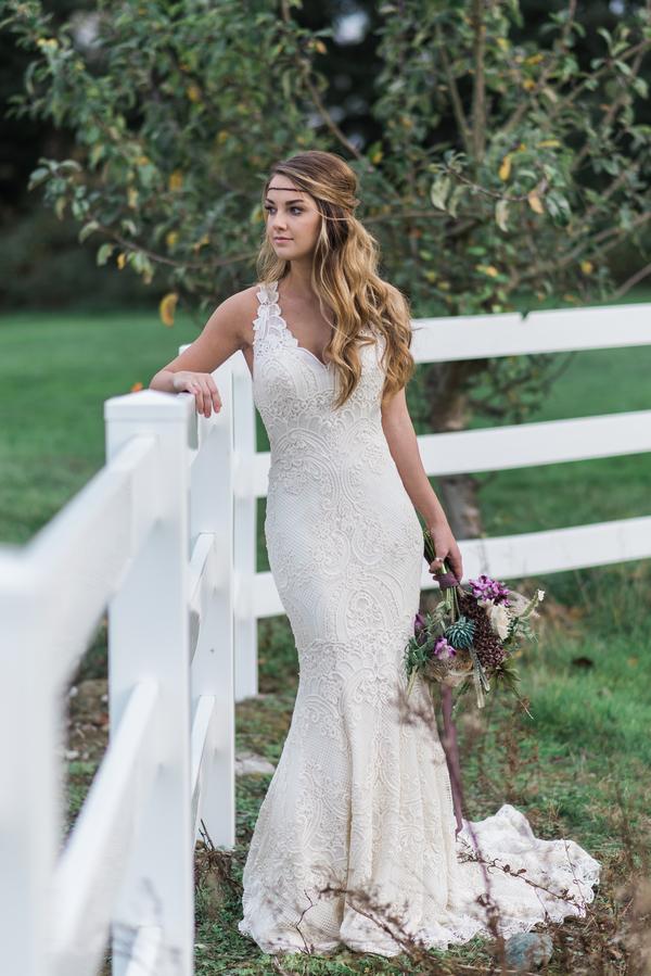 unconventional wedding dresses photo - 1