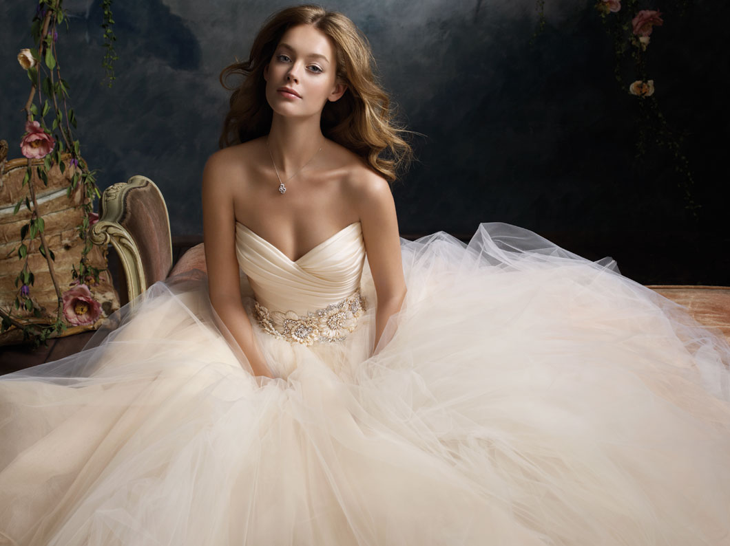used lazaro wedding dresses photo - 1