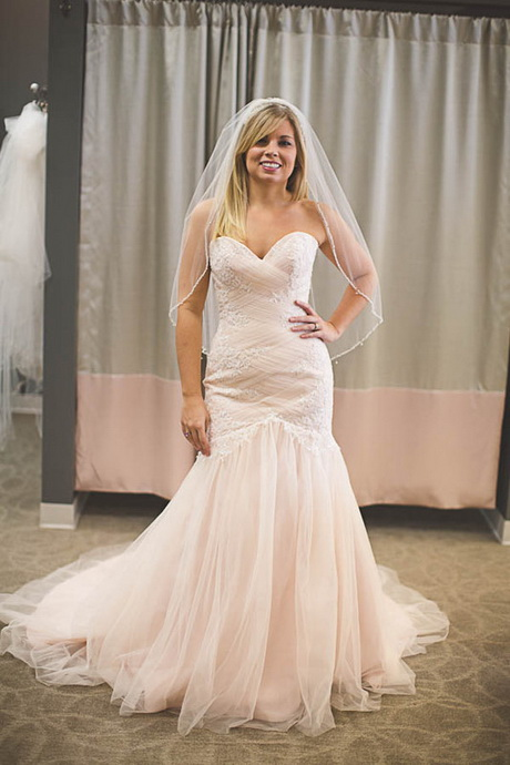 used wedding dresses store photo - 1
