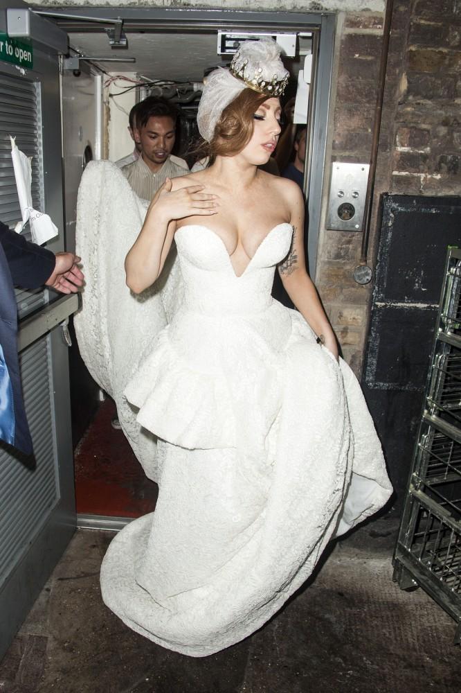 very revealing wedding dresses photo - 1
