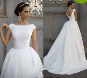 wedding dresses backless photo - 1