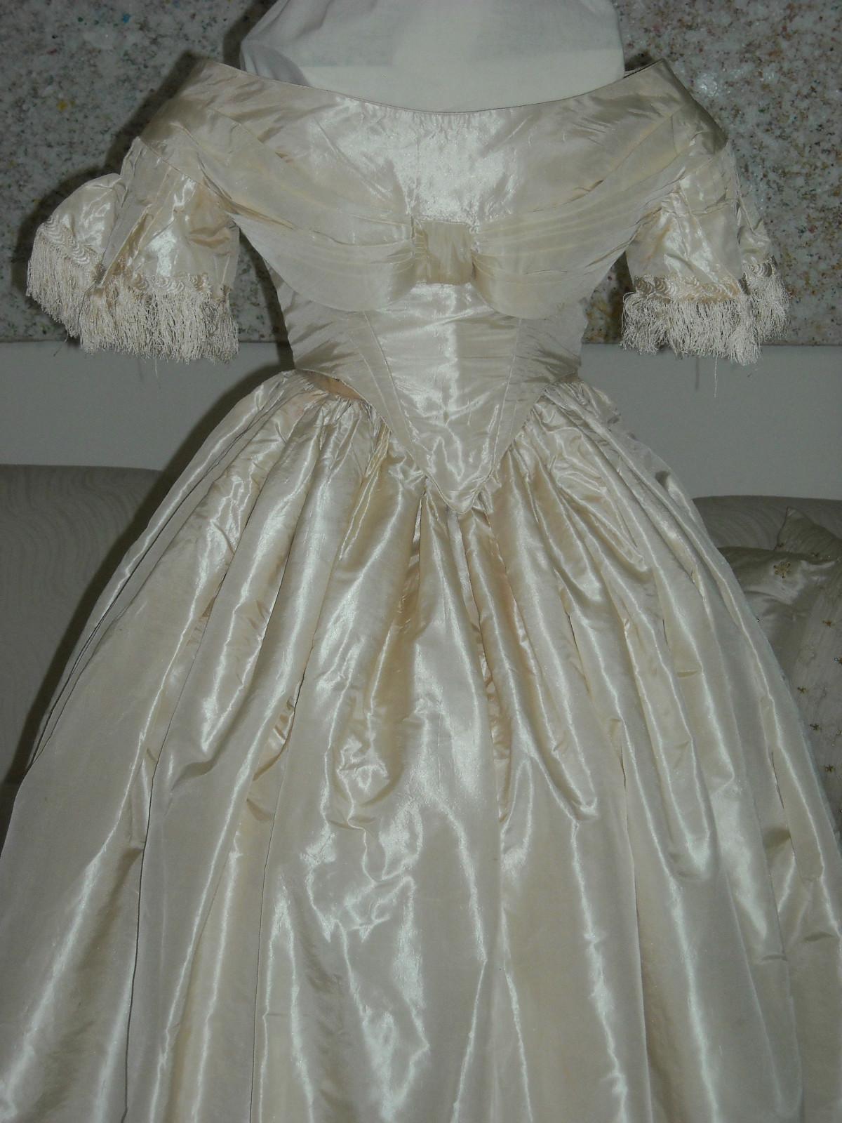 wedding dresses before 1840 photo - 1
