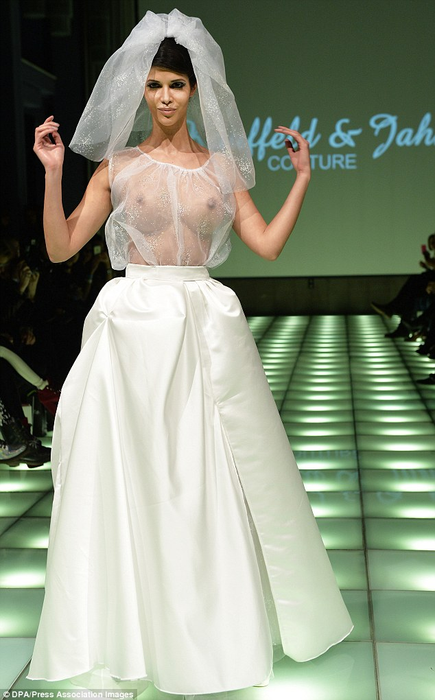 wedding dresses cleavage photo - 1