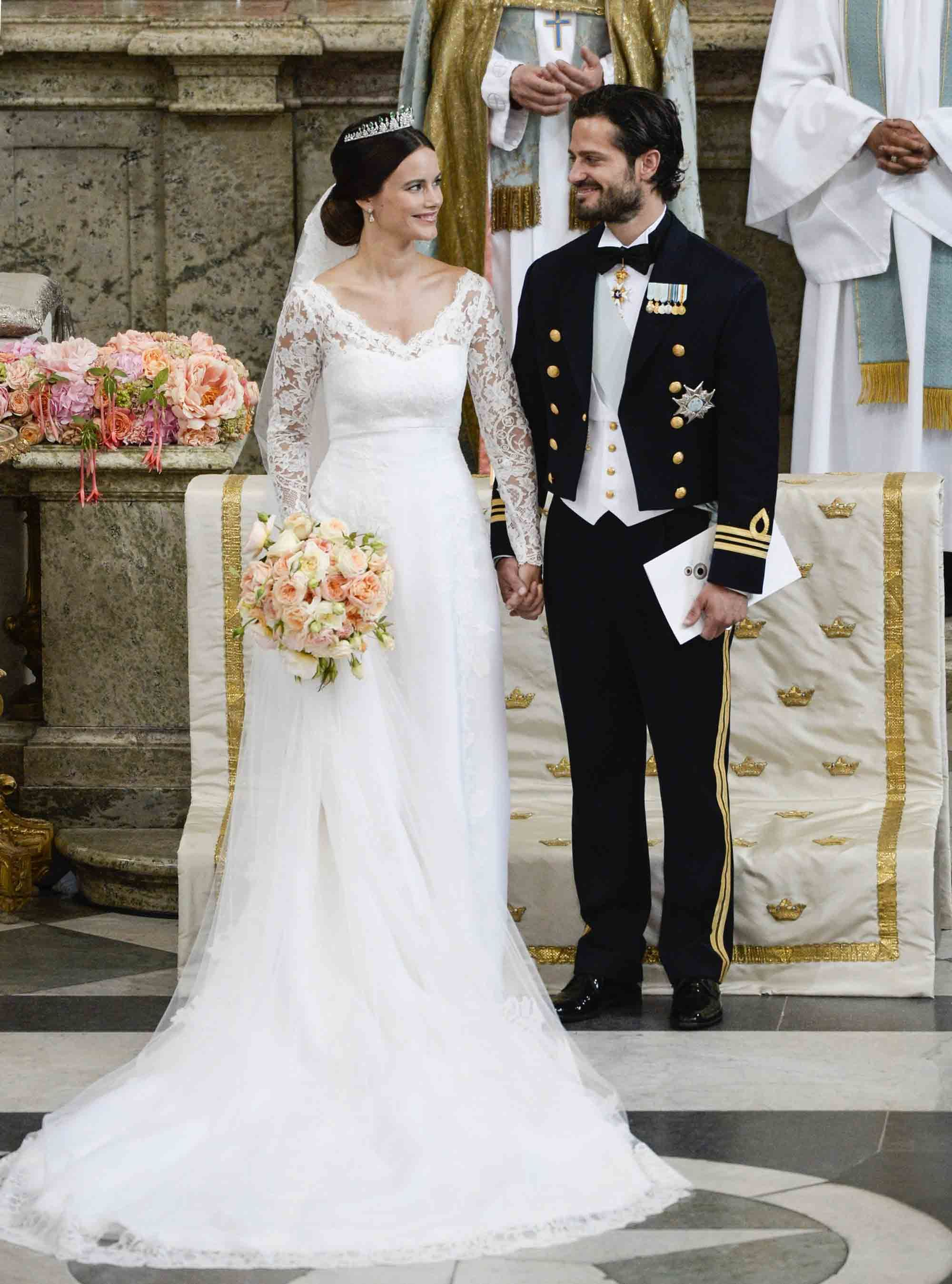 wedding dresses for 2nd time bride photo - 1