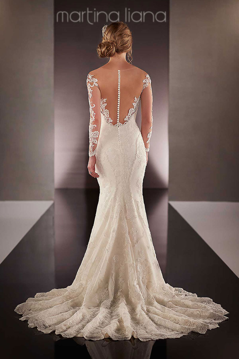 wedding dresses for curves photo - 1
