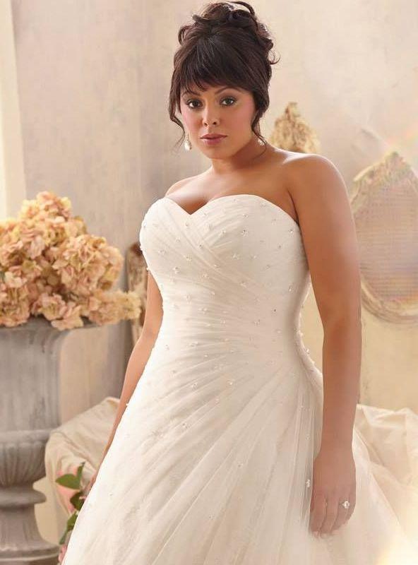 wedding dresses for curvy brides photo - 1