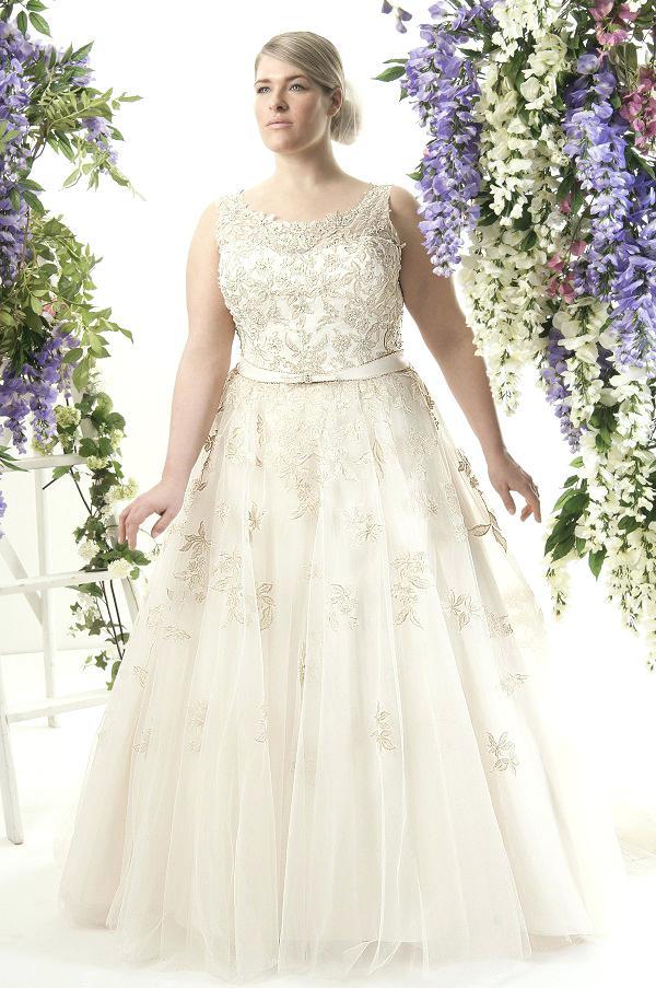 wedding dresses for curvy figures photo - 1