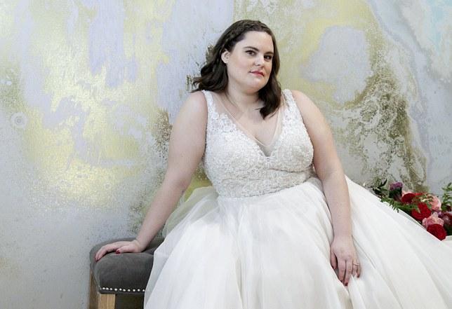 wedding dresses for fat brides photo - 1