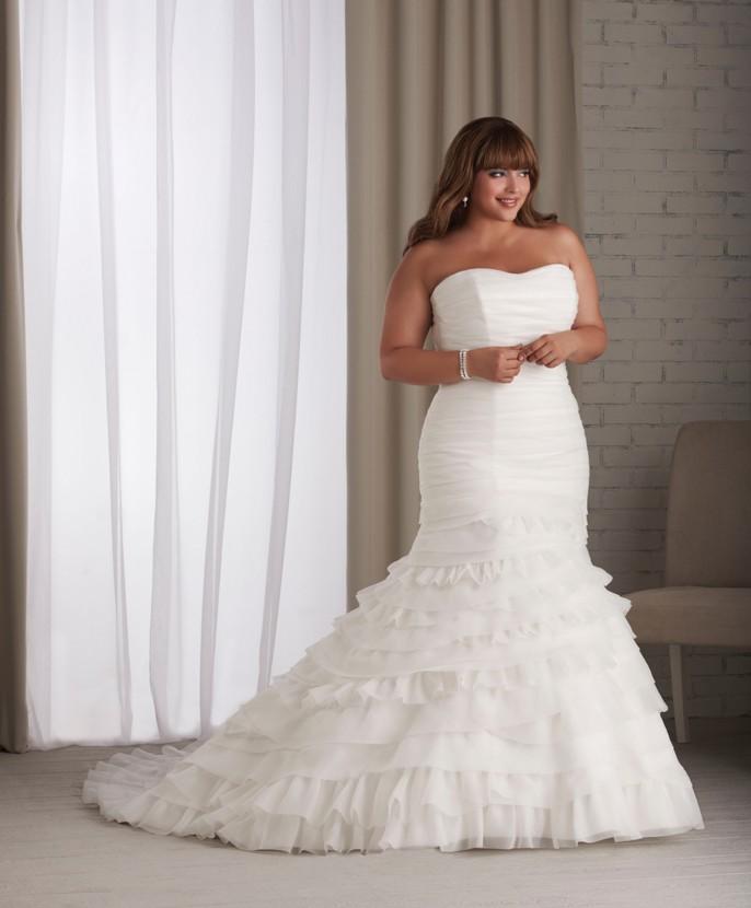 wedding dresses for full figured women photo - 1
