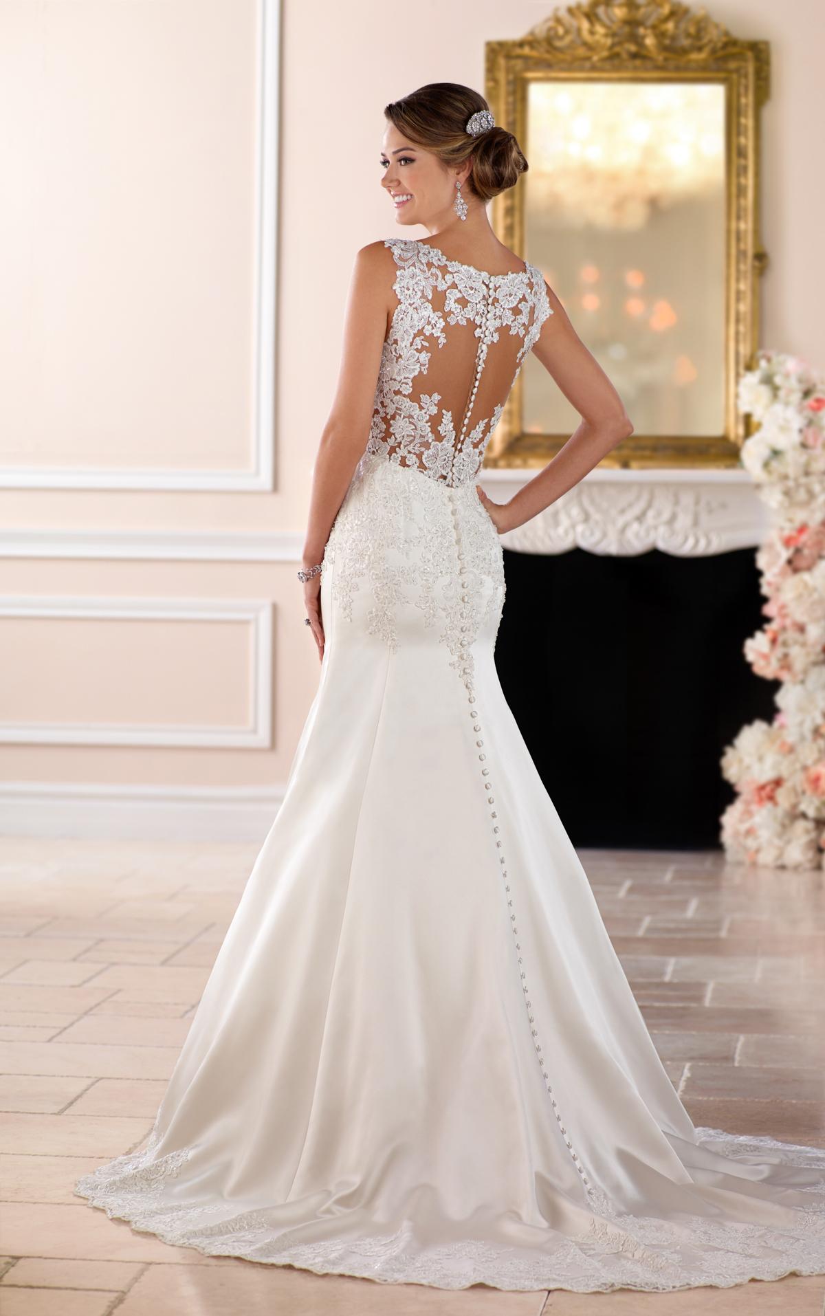 wedding dresses for hourglass photo - 1