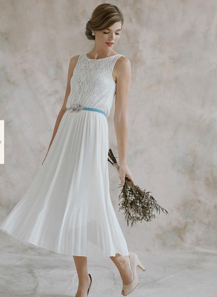wedding dresses for older brides (2nd marriage) photo - 1