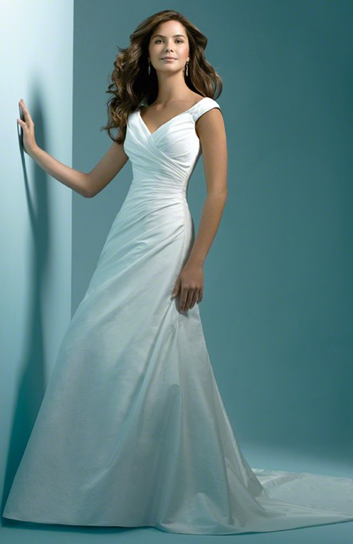 wedding dresses for pear shaped photo - 1