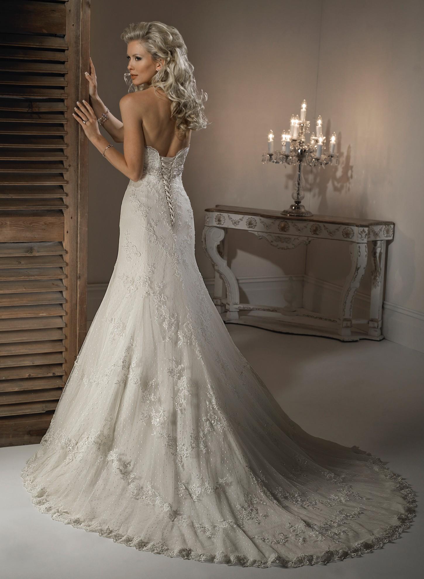 wedding dresses for petite brides photo - 1