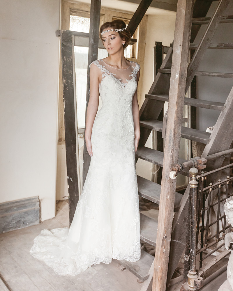 wedding dresses for rustic wedding photo - 1