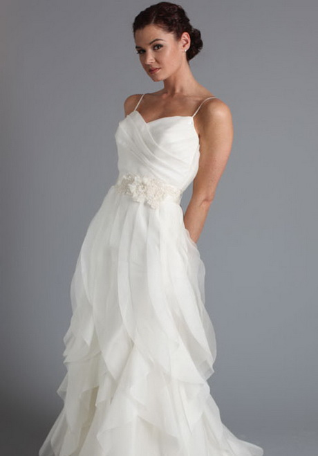 wedding dresses for short people photo - 1