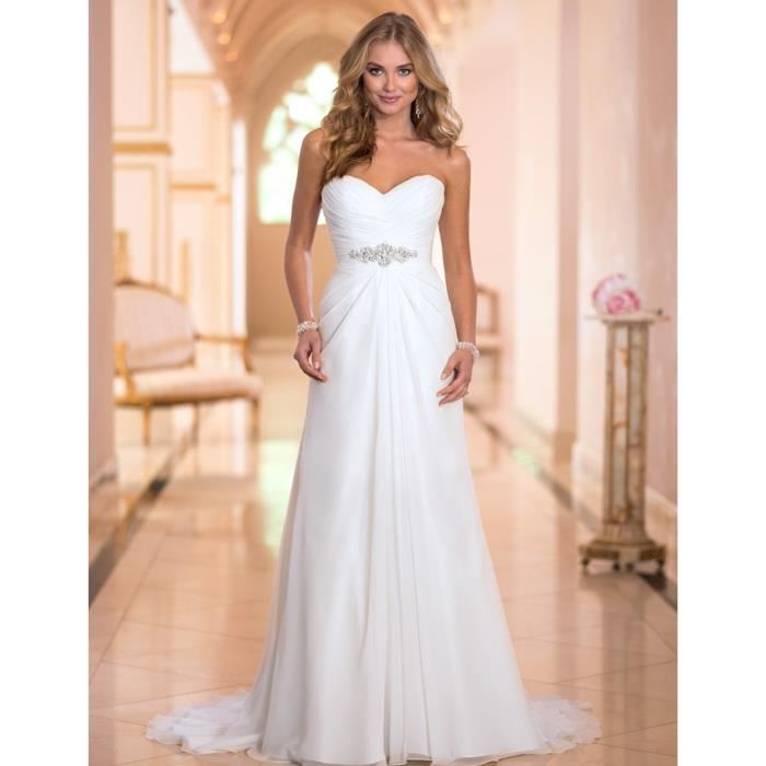 wedding dresses for small breasts photo - 1