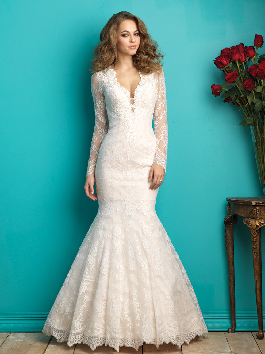 wedding dresses for small busts photo - 1