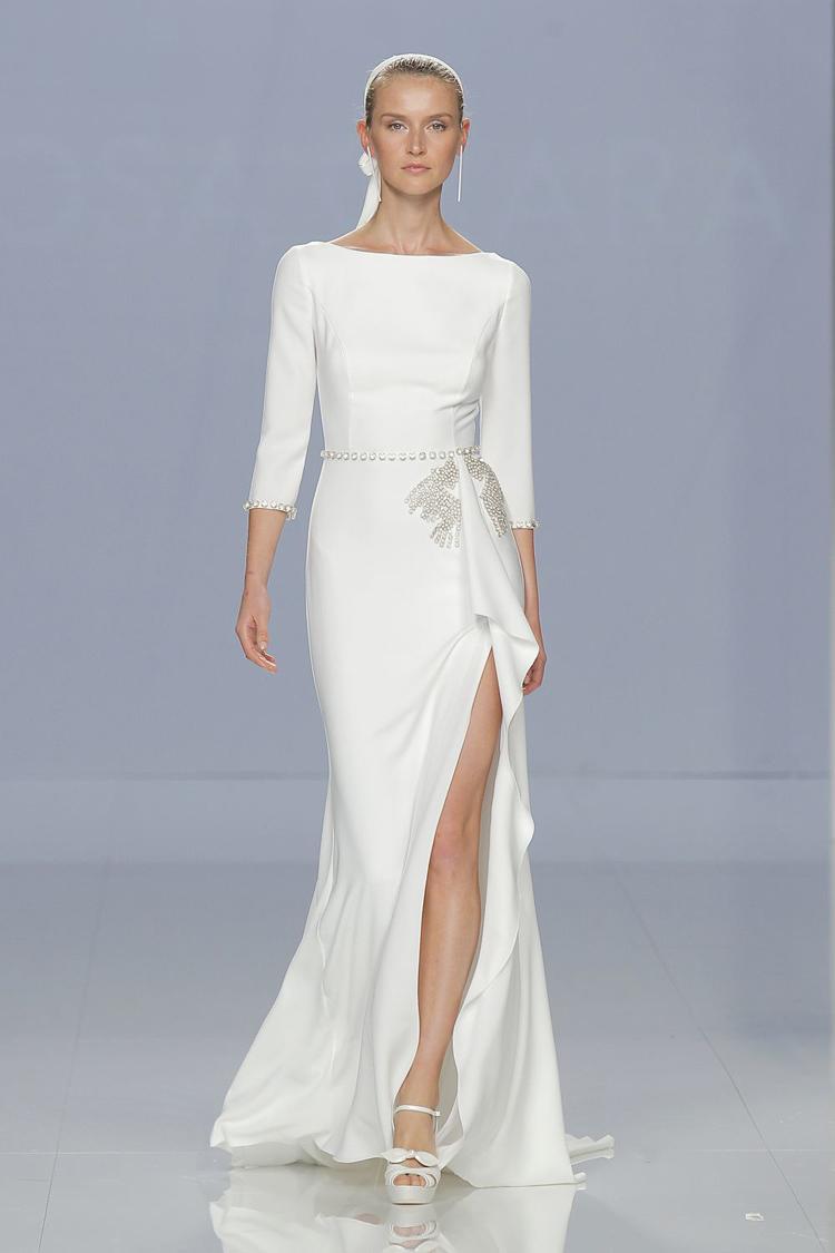 wedding dresses long sleeves photo - 1