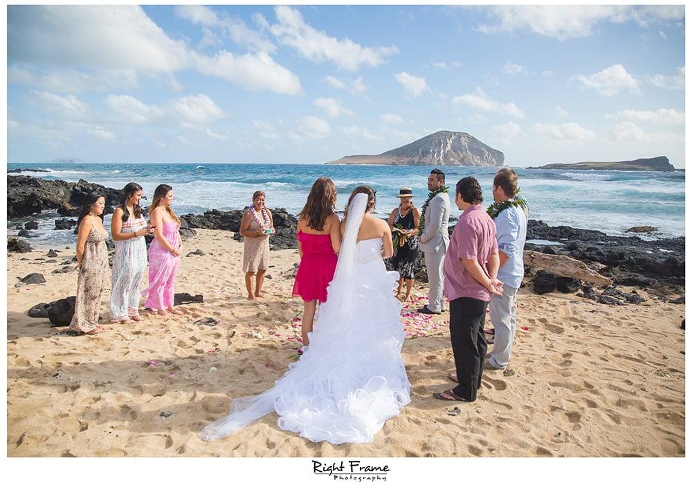 wedding dresses oahu photo - 1
