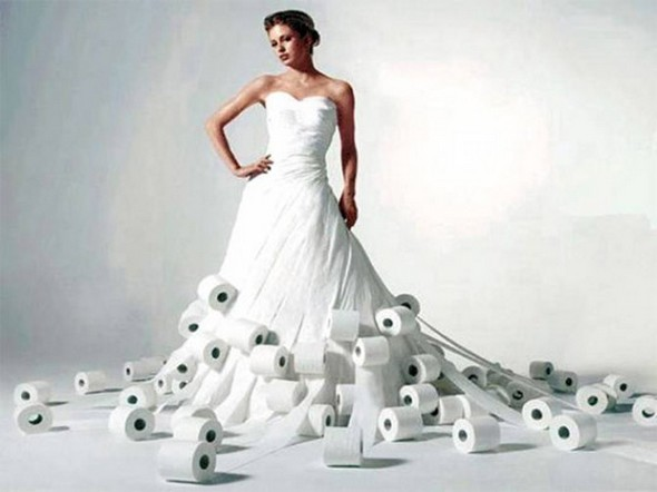 wedding dresses out of toilet paper photo - 1