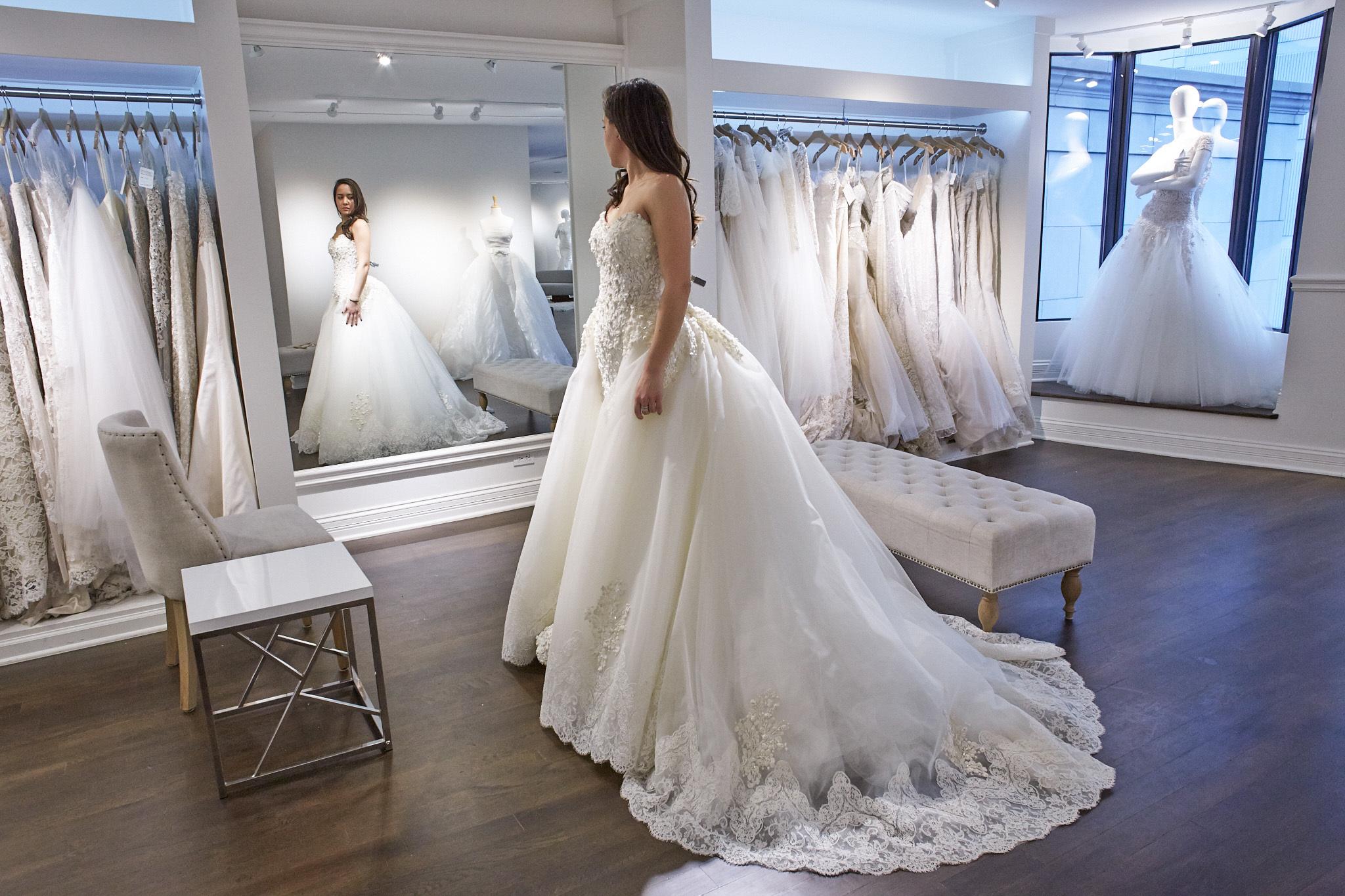 wedding dresses shops photo - 1