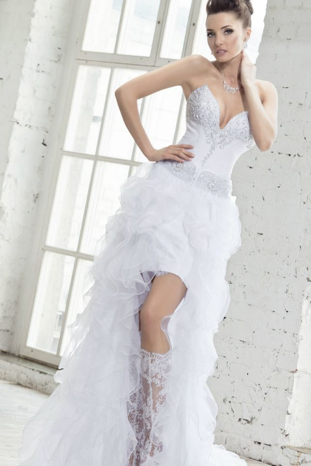 wedding dresses short in front with long train photo - 1