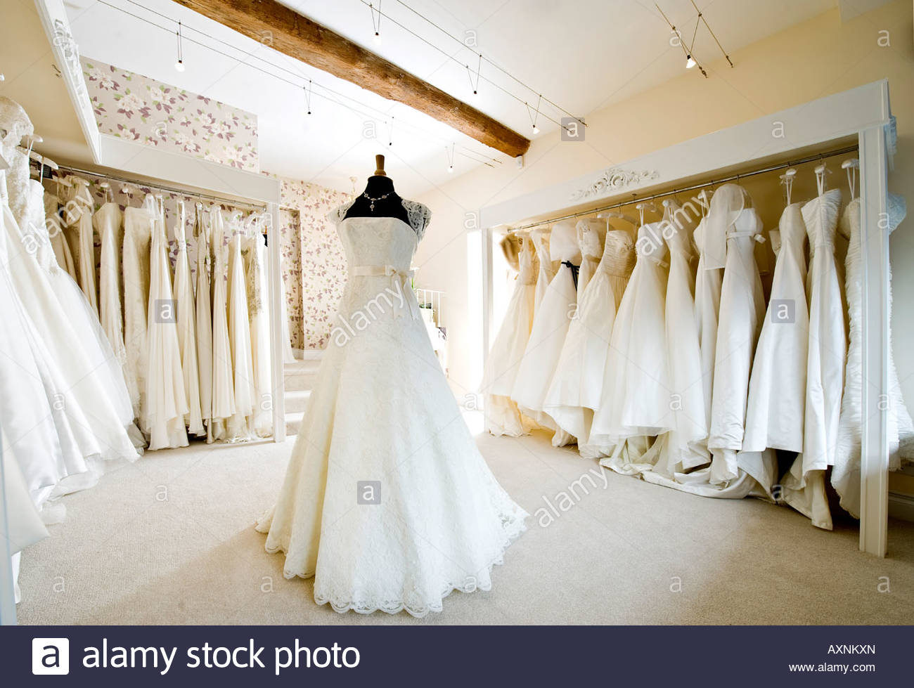 wedding dresses stores in chicago photo - 1