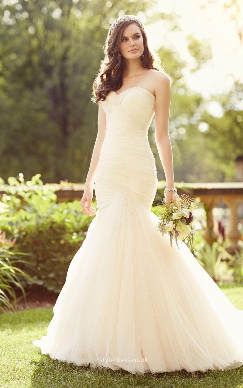 wedding dresses under 1500 dollars photo - 1
