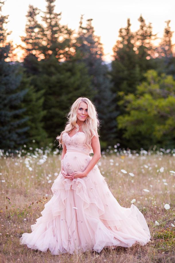 wedding dresses while pregnant photo - 1