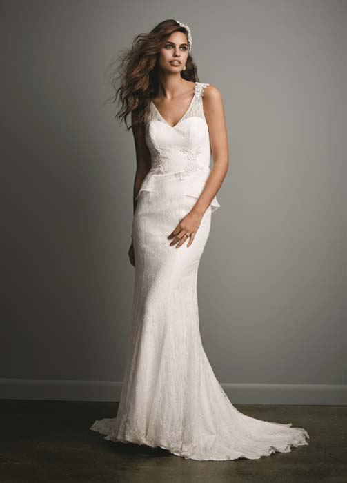 wedding dresses with bow on back photo - 1