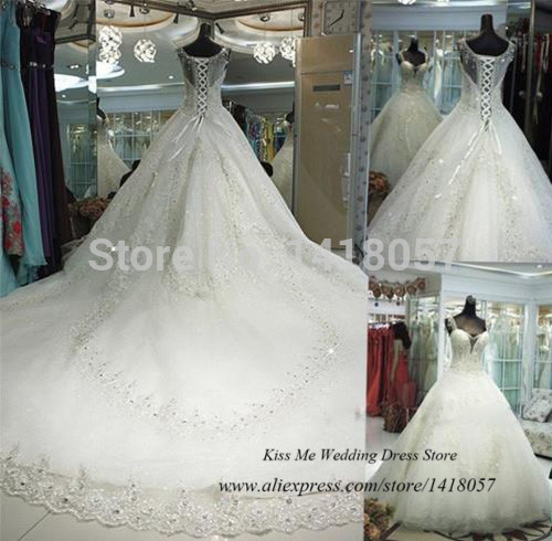 wedding dresses with cathedral train photo - 1