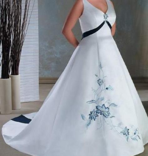 wedding dresses with green accents photo - 1