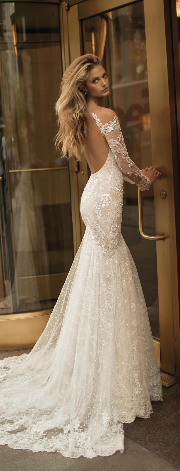 wedding dresses with low back photo - 1