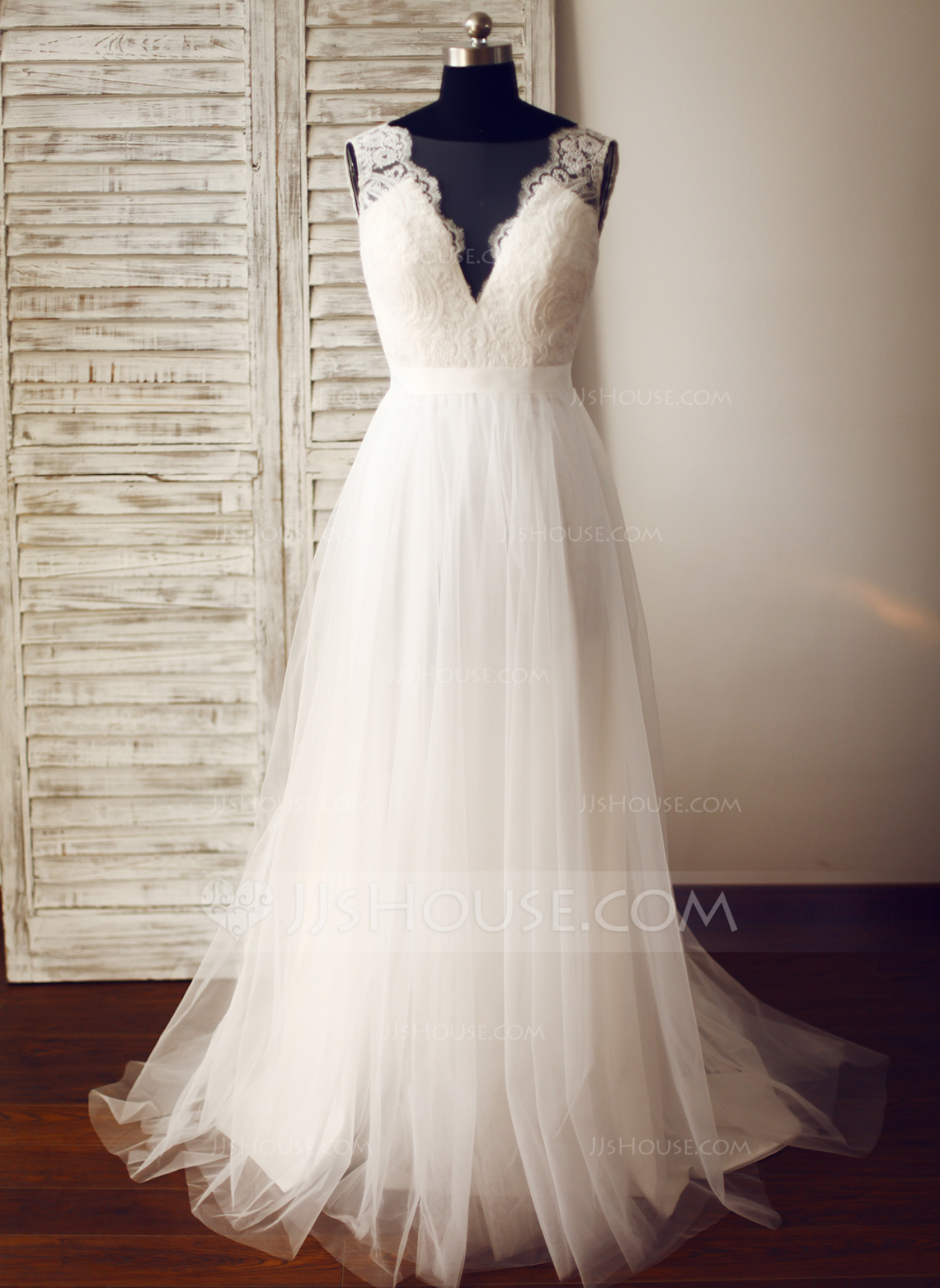 wedding dresses with train photo - 1
