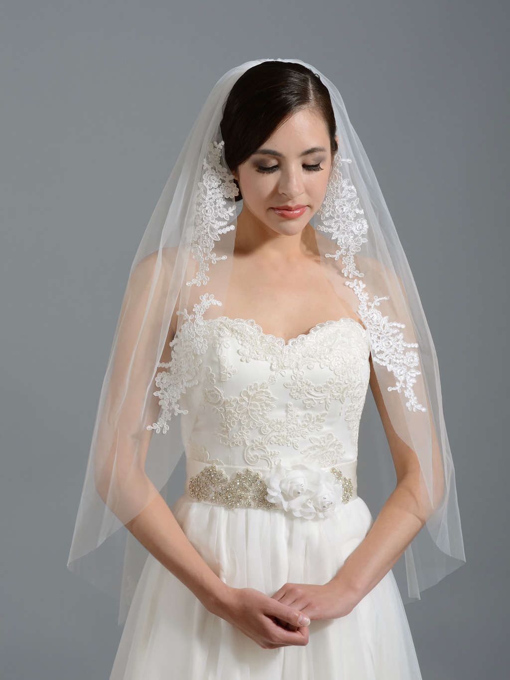 wedding dresses with veils photo - 1