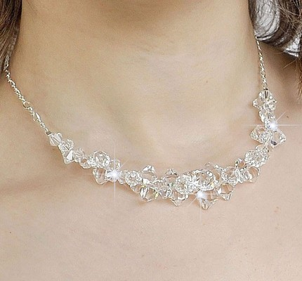 wedding necklaces for strapless dresses photo - 1