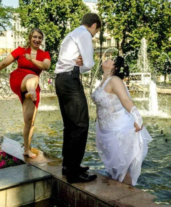 weird wedding dresses photo - 1