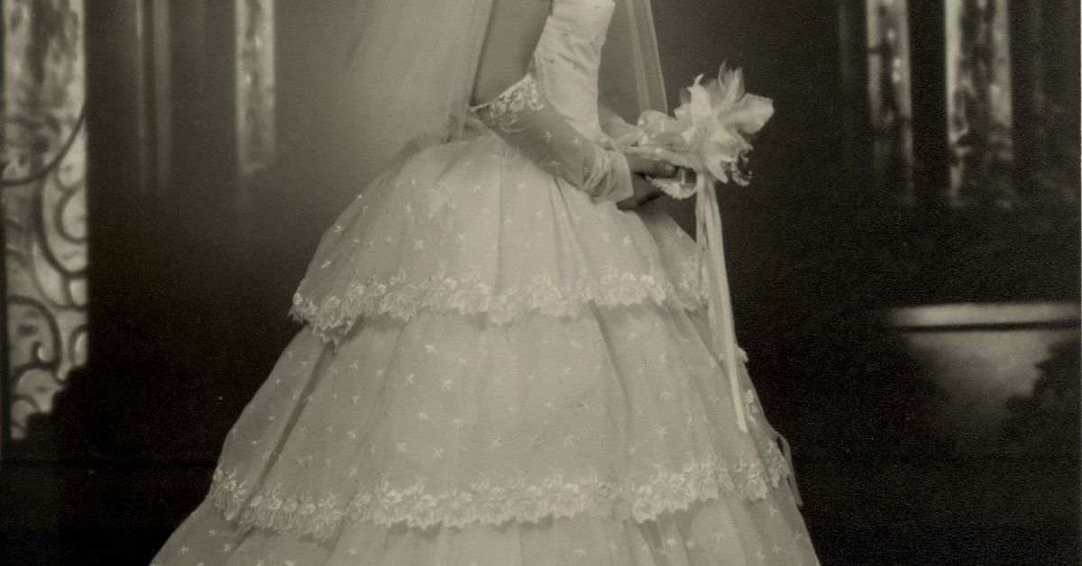 what to do with old wedding dresses photo - 1