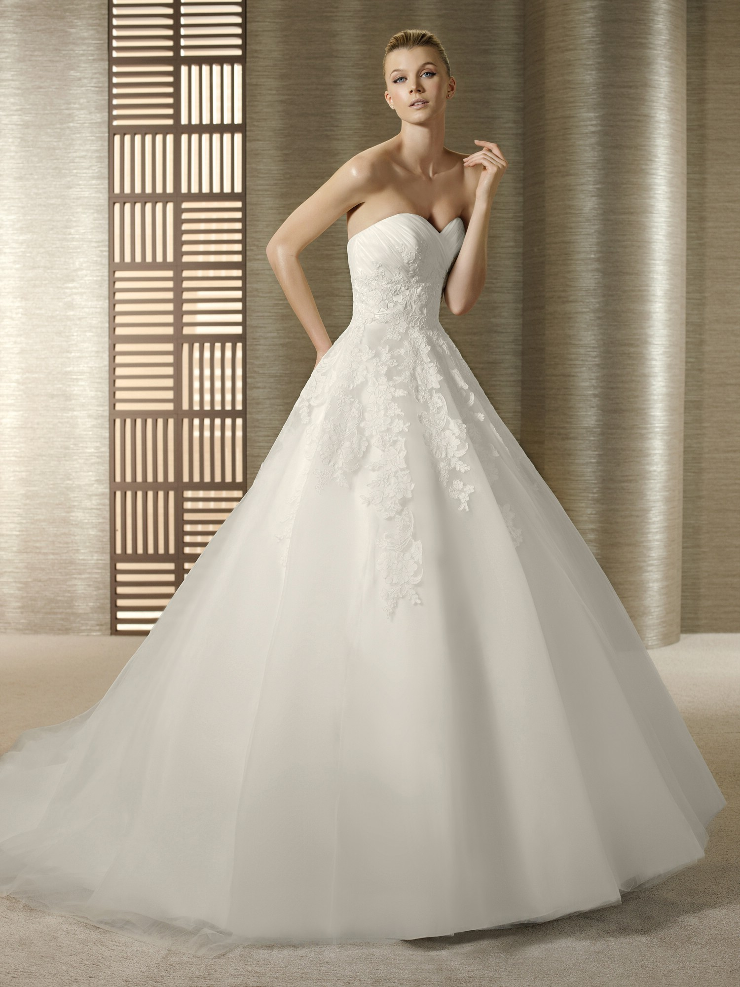 white one wedding dresses photo - 1