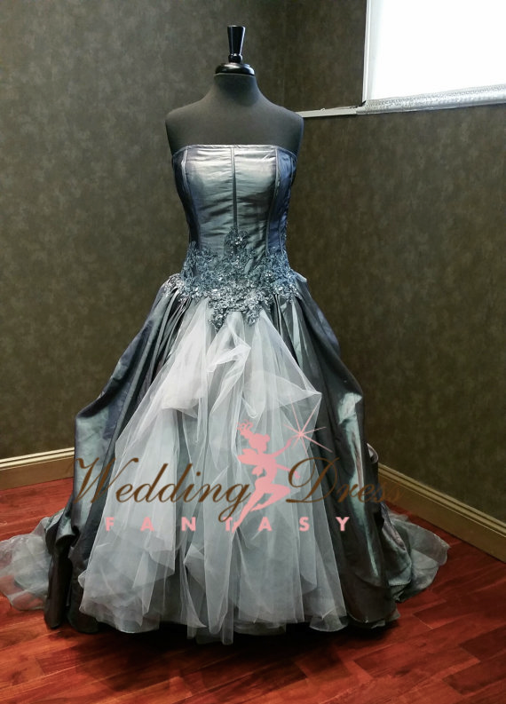 wild wedding dresses photo - 1
