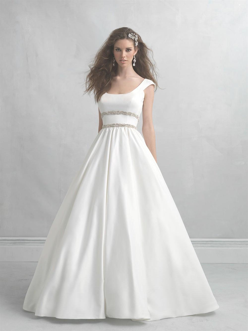 woman within wedding dresses photo - 1