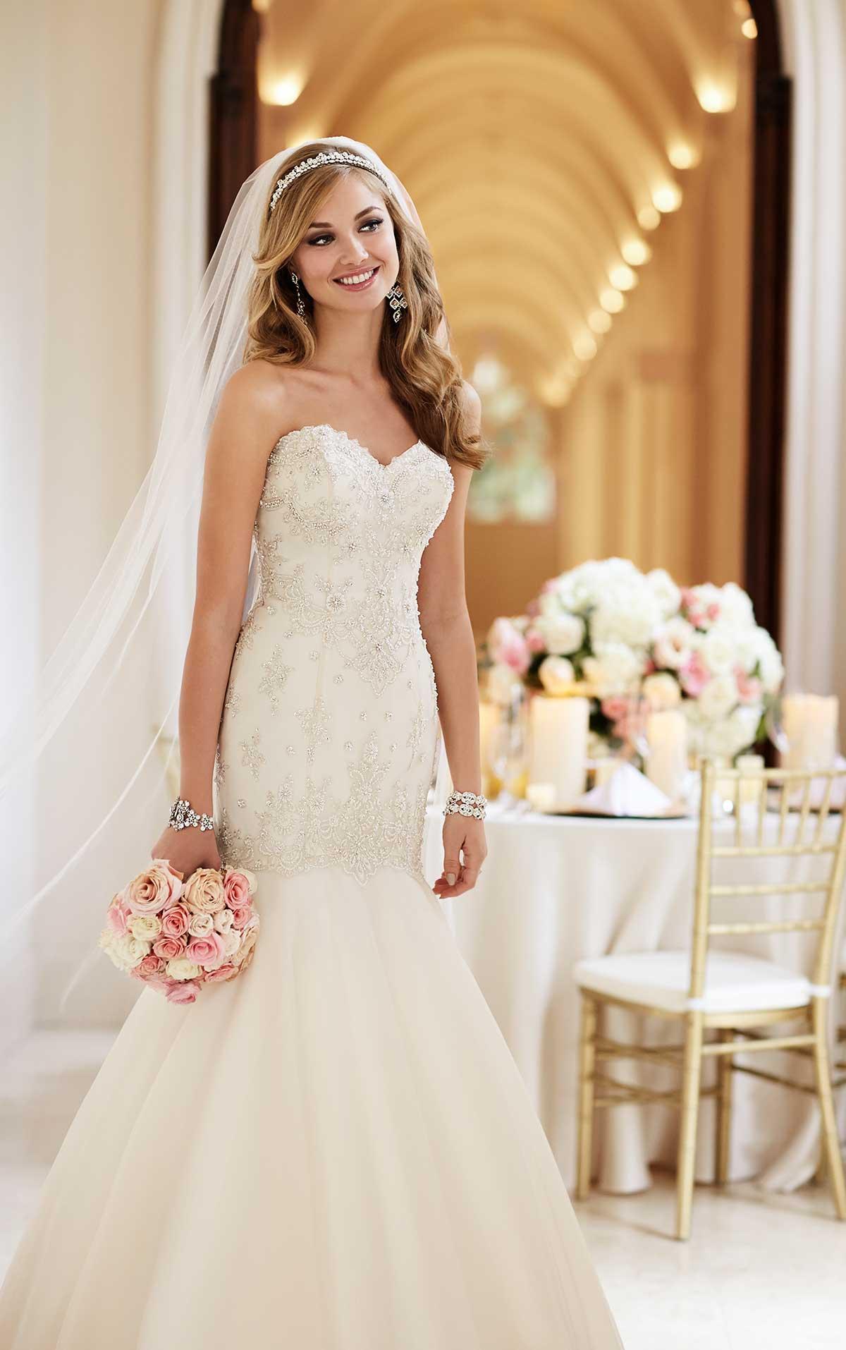 casual ivory wedding dresses photo - 1