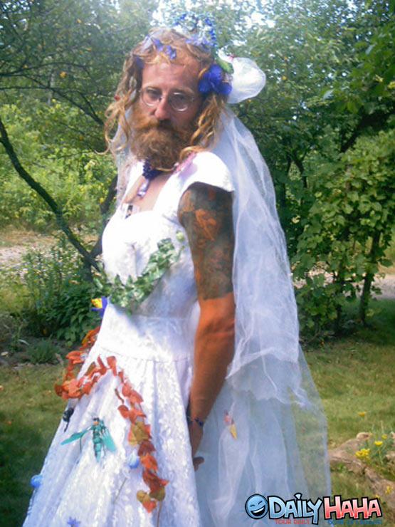 funny wedding dresses photo - 1