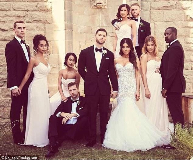 hip wedding dresses photo - 1